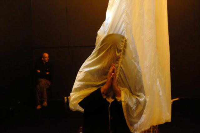 Kintsugi RadiceTimbrica Teatro teatrino fontana luca colombo radice timbrica teatro performance